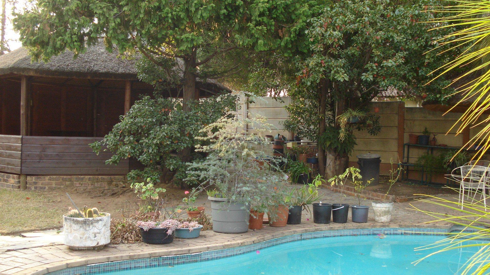Randpark Ridge property for sale. Ref No: 13518117. Picture no 2