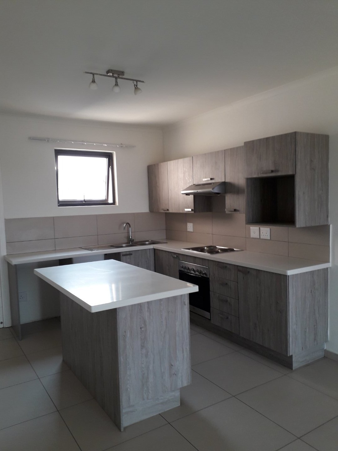 Midrand, Carlswald Property    Houses To Rent Carlswald, Carlswald, Apartment  property to rent Price:,  7,00*