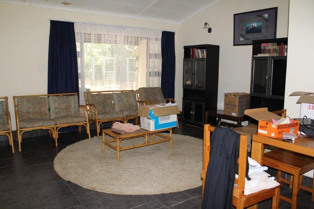 Leisure Bay for sale property. Ref No: 13516816. Picture no 11