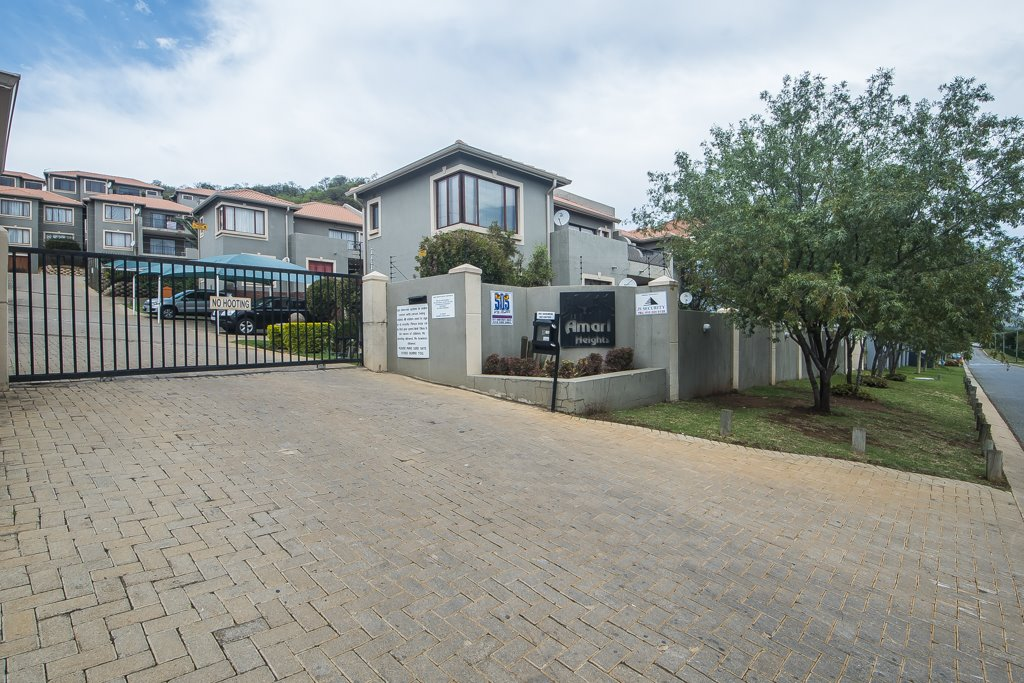 Johannesburg, Winchester Hills Property    Houses For Sale Winchester Hills, Winchester Hills, Townhouse 3 bedrooms property for sale Price:920,000