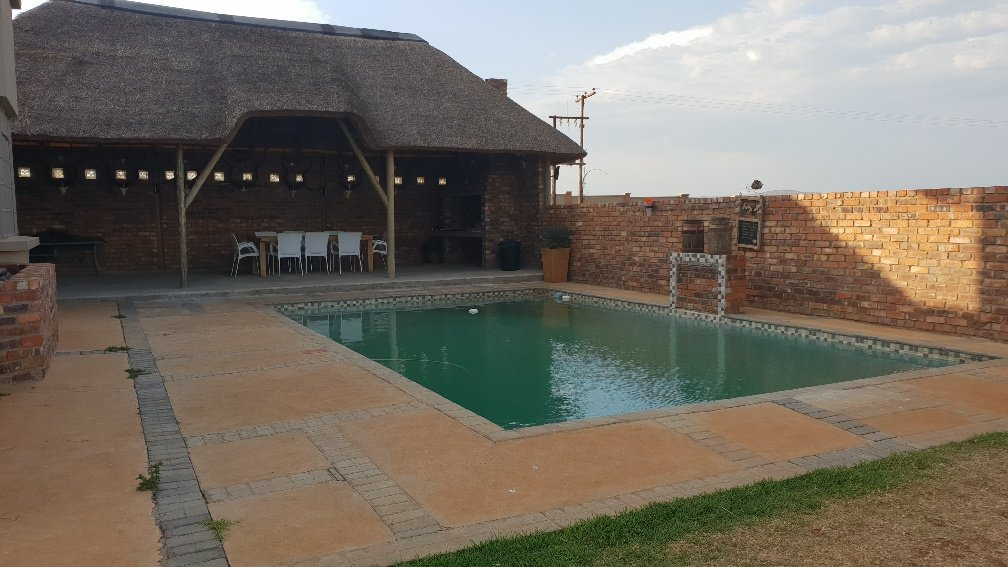 Allewynspoort property for sale. Ref No: 13497711. Picture no 4