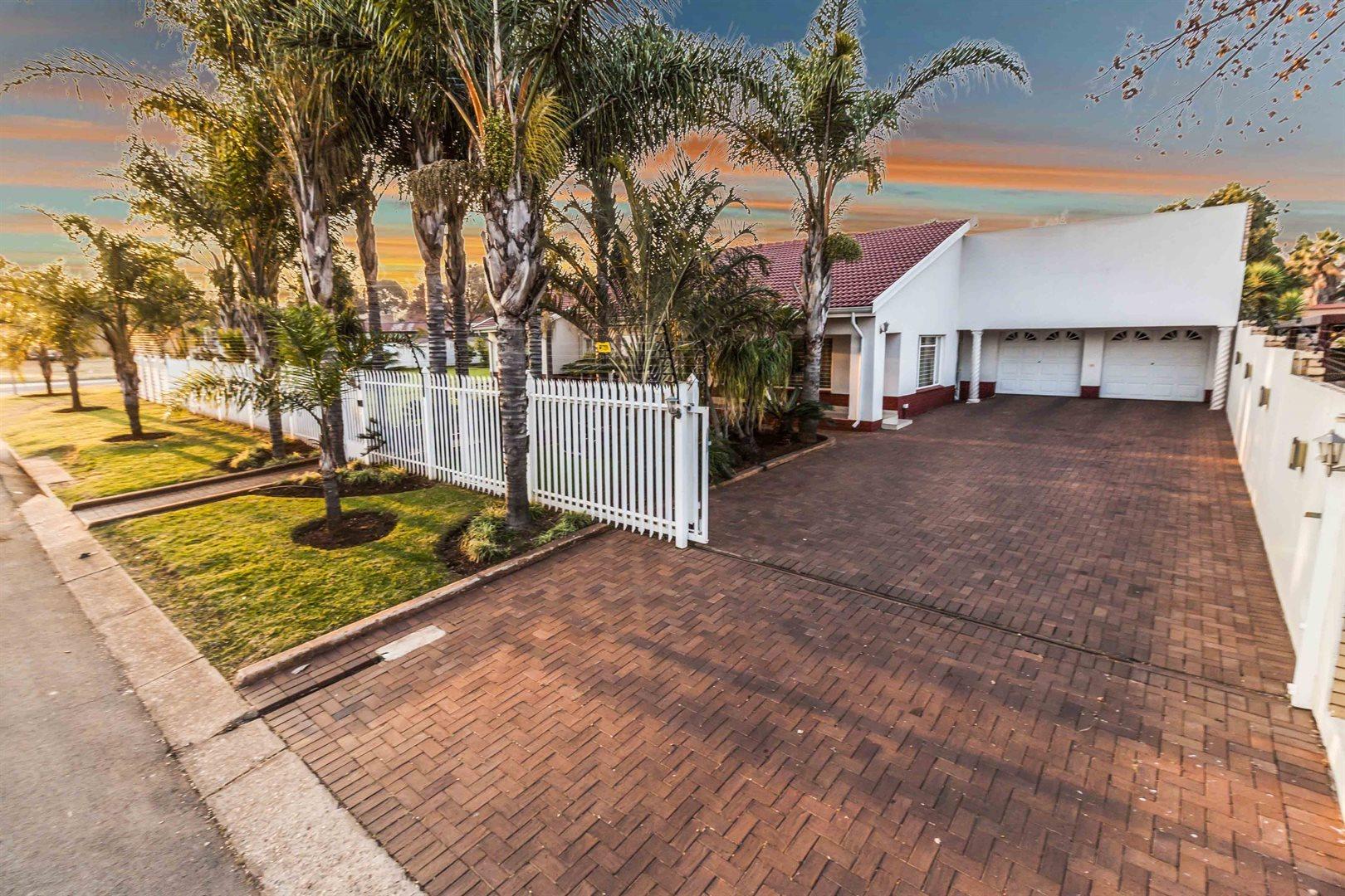 Centurion, Erasmia Property  | Houses For Sale Erasmia, Erasmia, House 3 bedrooms property for sale Price:1,995,000