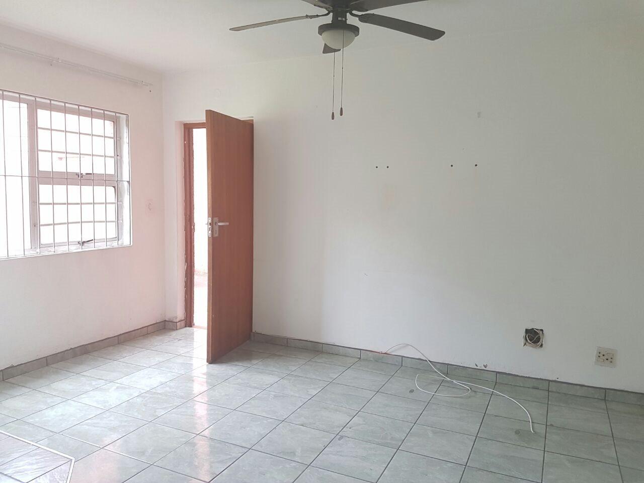 Arboretum property to rent. Ref No: 13514450. Picture no 2