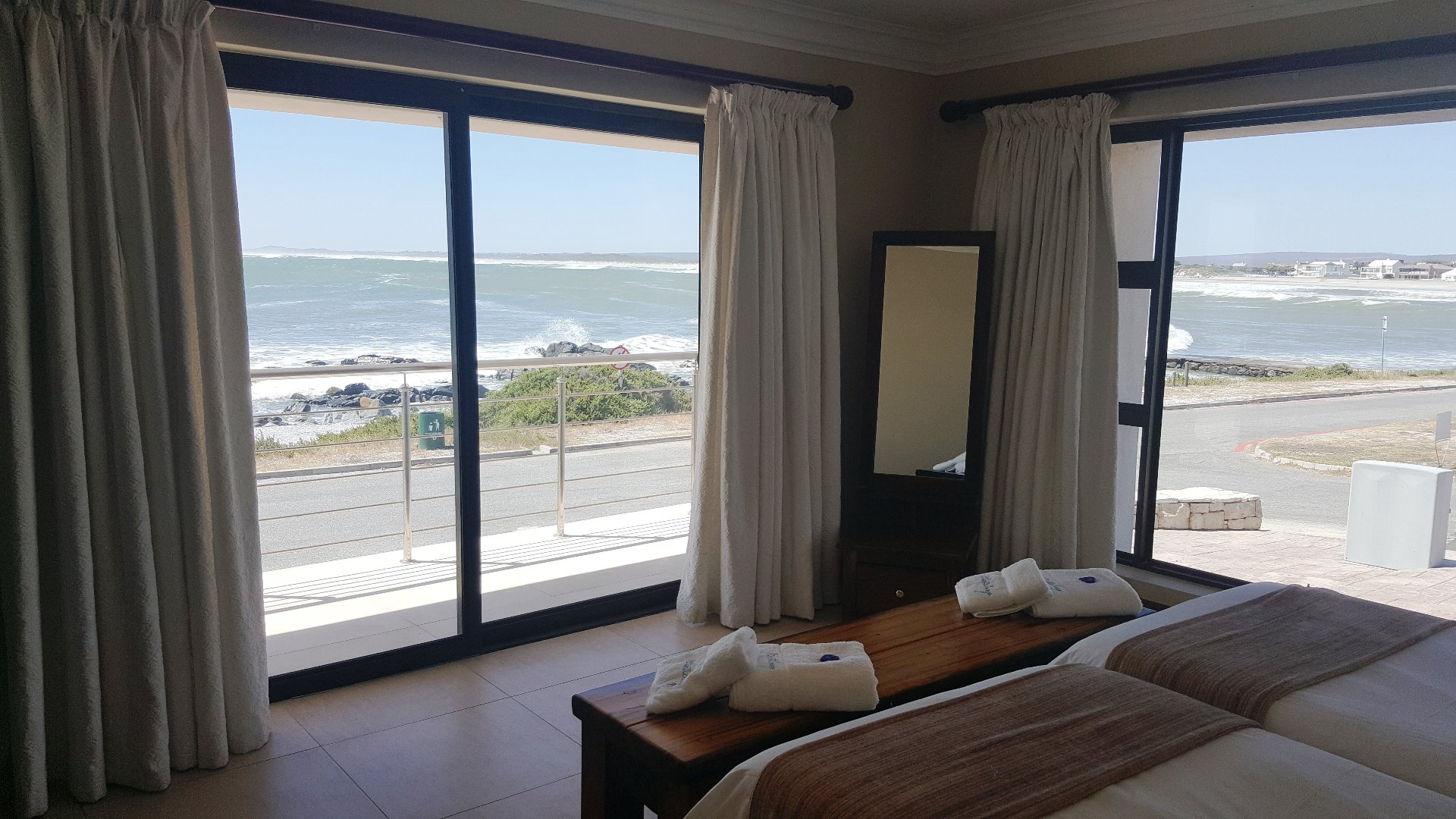 Yzerfontein property for sale. Ref No: 13543047. Picture no 43