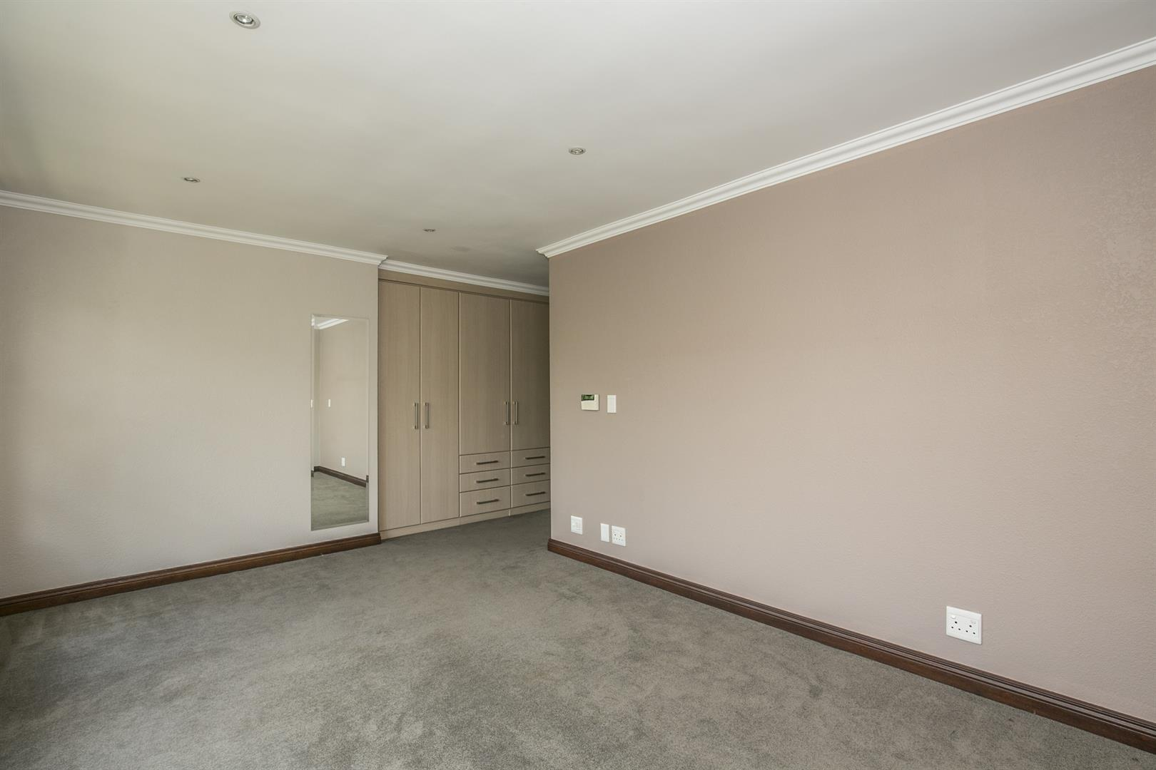 Fourways property for sale. Ref No: 13458374. Picture no 13