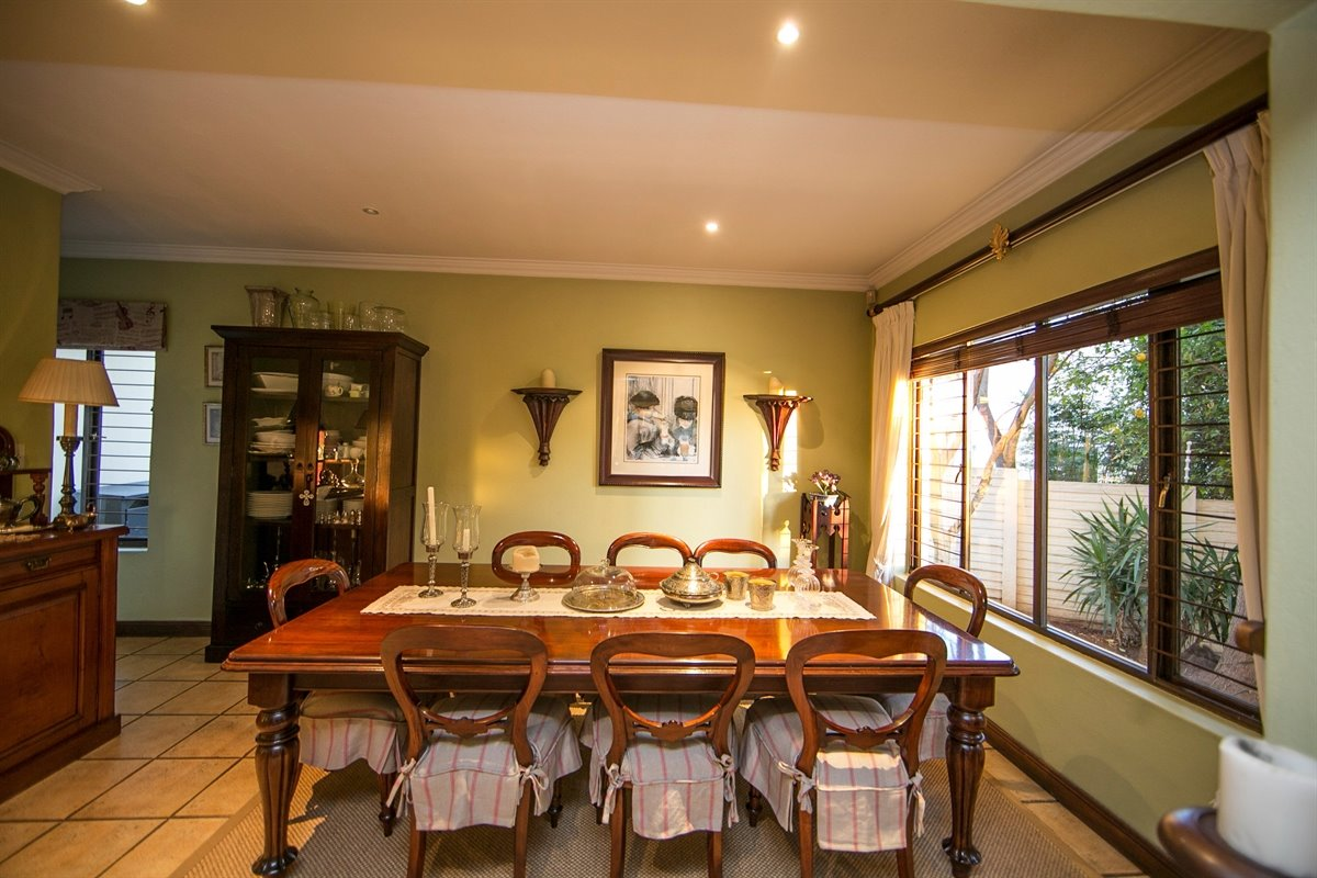 Fourways property for sale. Ref No: 13450350. Picture no 10