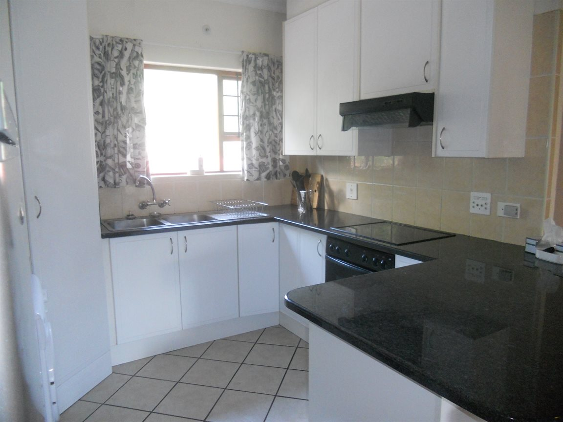 Bryanston property to rent. Ref No: 13270639. Picture no 10