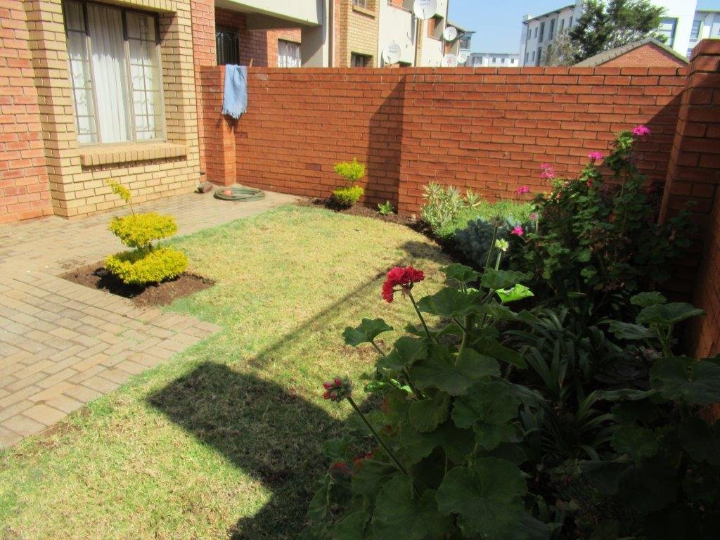 Centurion, Eco Park Estate Property  | Houses For Sale Eco Park Estate, Eco Park Estate, Townhouse 2 bedrooms property for sale Price:820,000