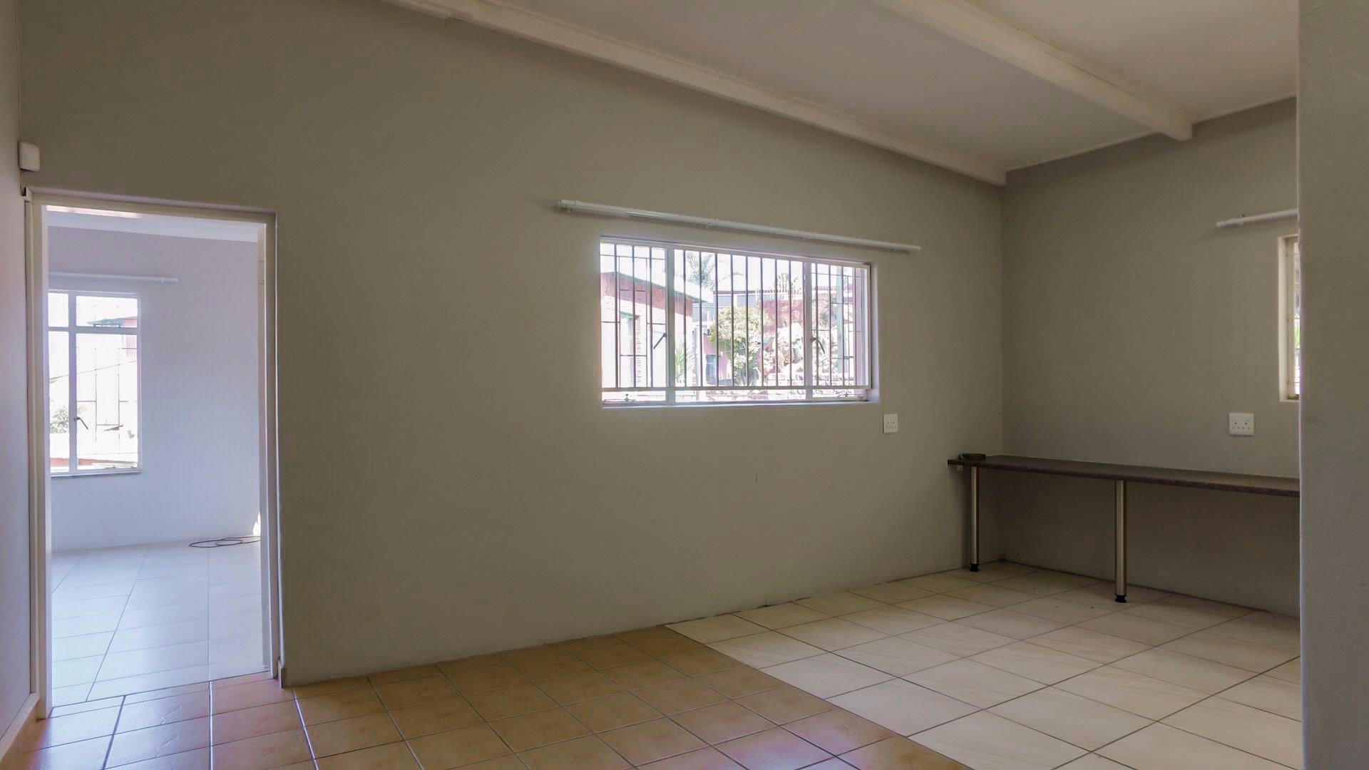Erasmia property for sale. Ref No: 13379466. Picture no 3