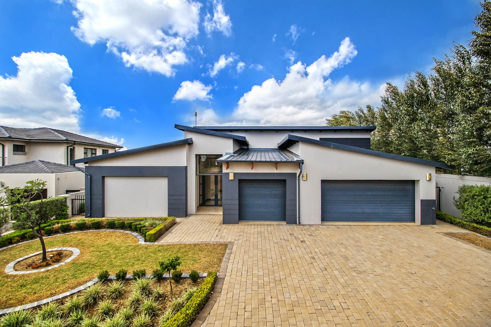 , House, 4 Bedrooms - ZAR 3,100,000