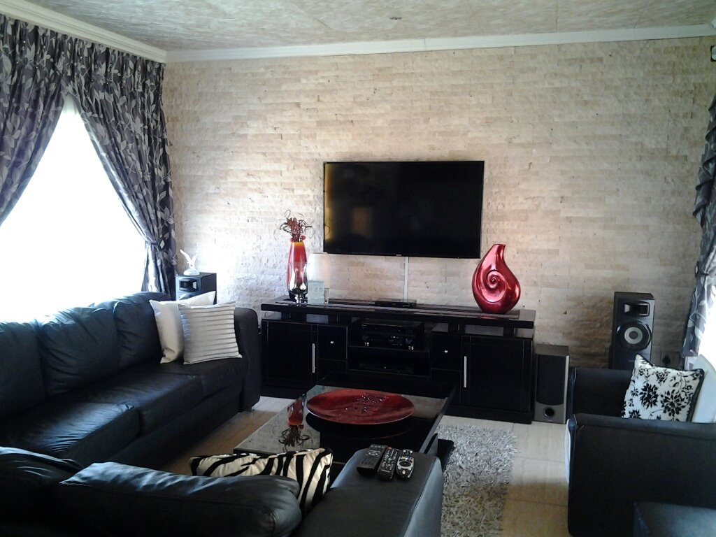 Steel Park property for sale. Ref No: 13292715. Picture no 3