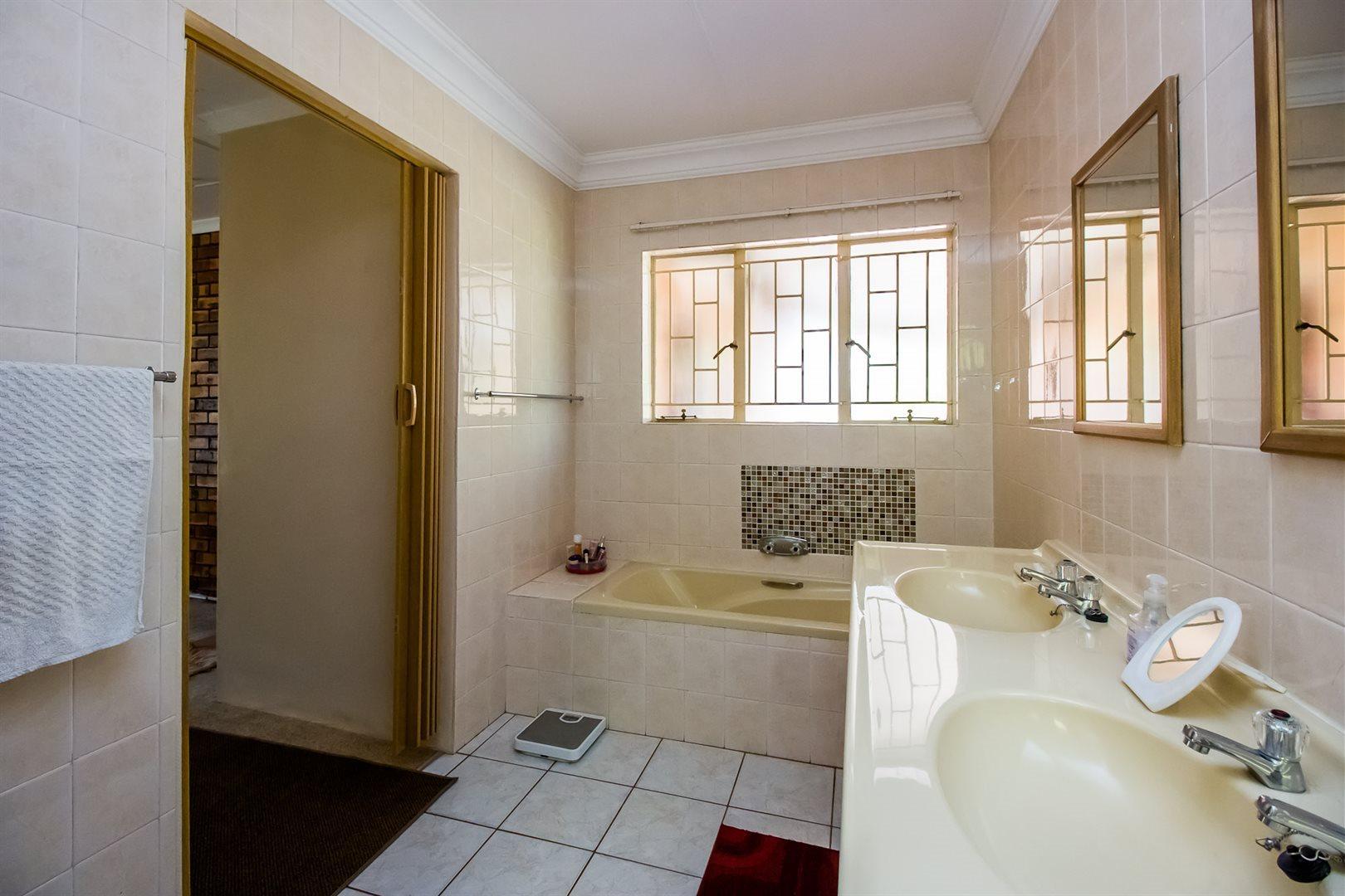 Elarduspark property for sale. Ref No: 13553870. Picture no 15