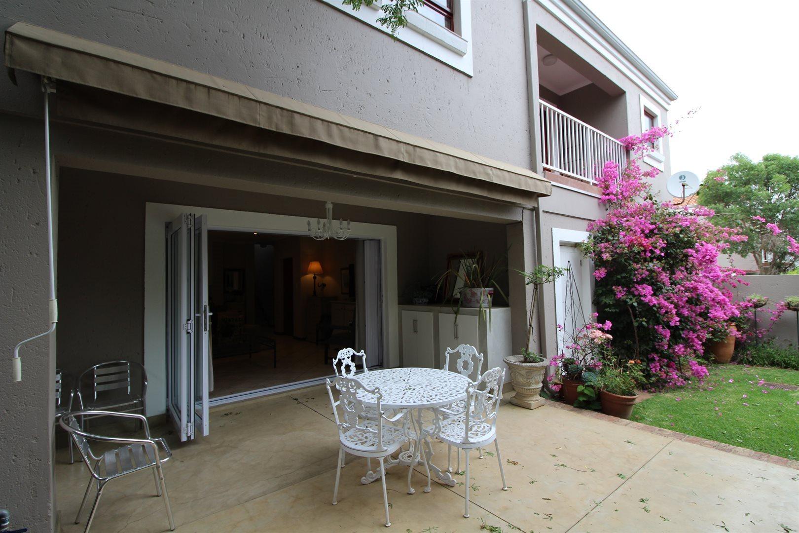 Bryanston property for sale. Ref No: 13551237. Picture no 30
