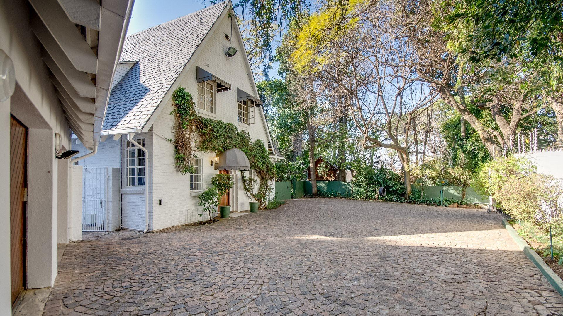 Sandton, Illovo Property    Houses To Rent Illovo, Illovo, House 4 bedrooms property to rent Price:, 40,00*