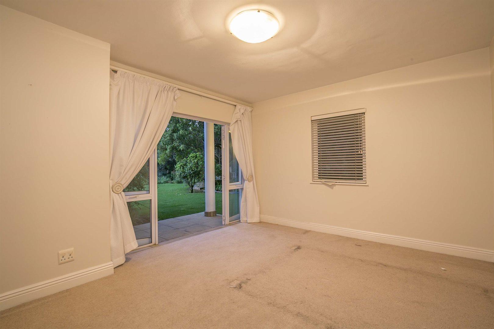 Dainfern Golf Estate property for sale. Ref No: 13474180. Picture no 9
