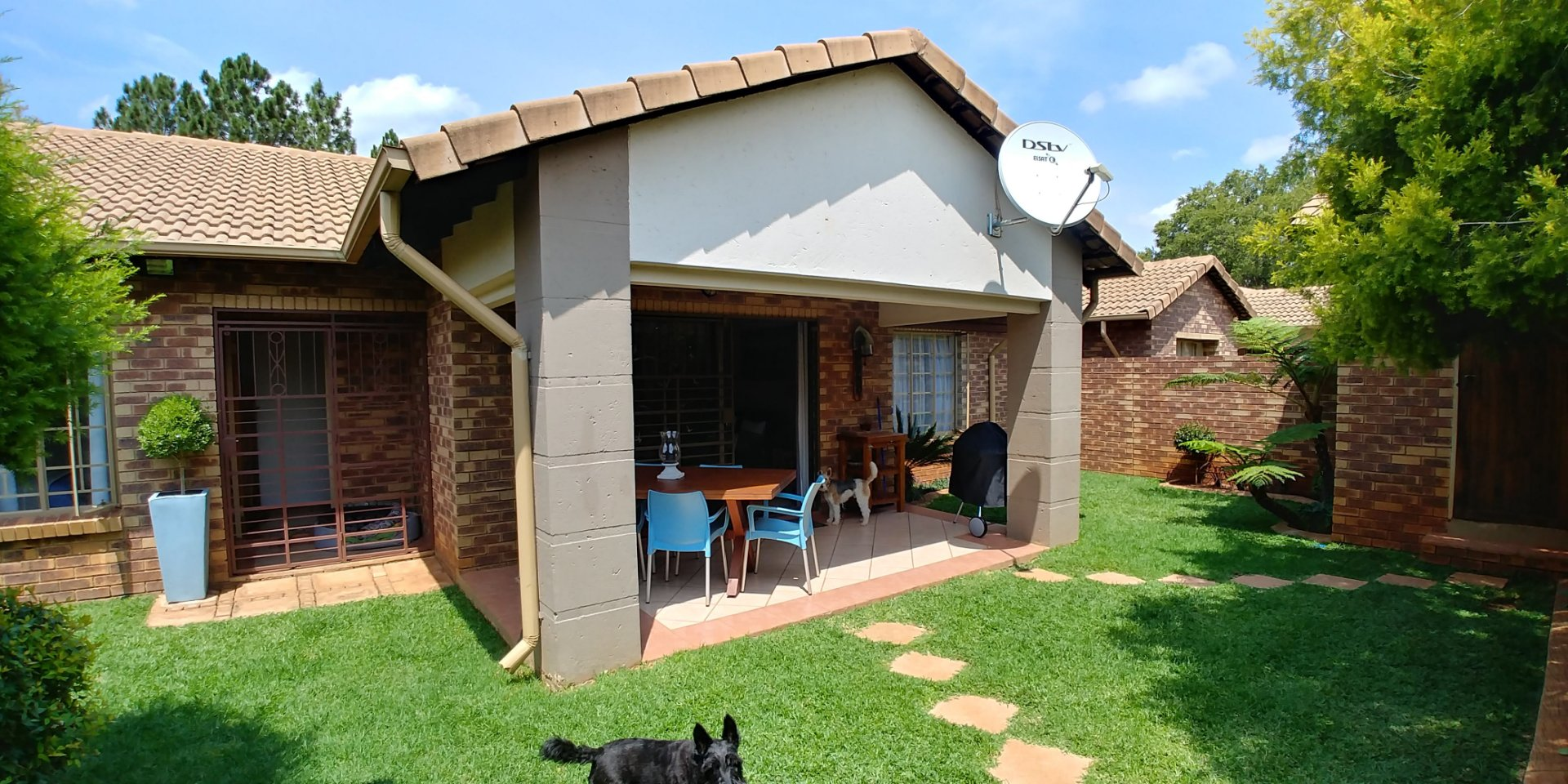 Property and Houses for sale in Die Hoewes, Townhouse, 3 Bedrooms - ZAR 1,600,000