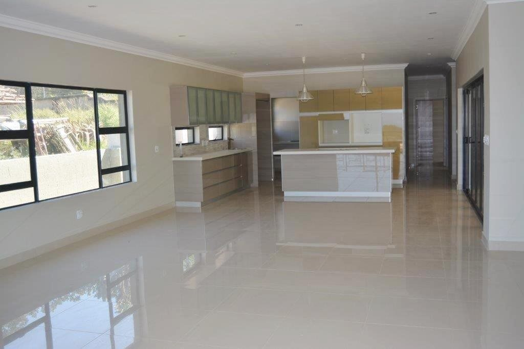 Shelly Beach property for sale. Ref No: 13324380. Picture no 5