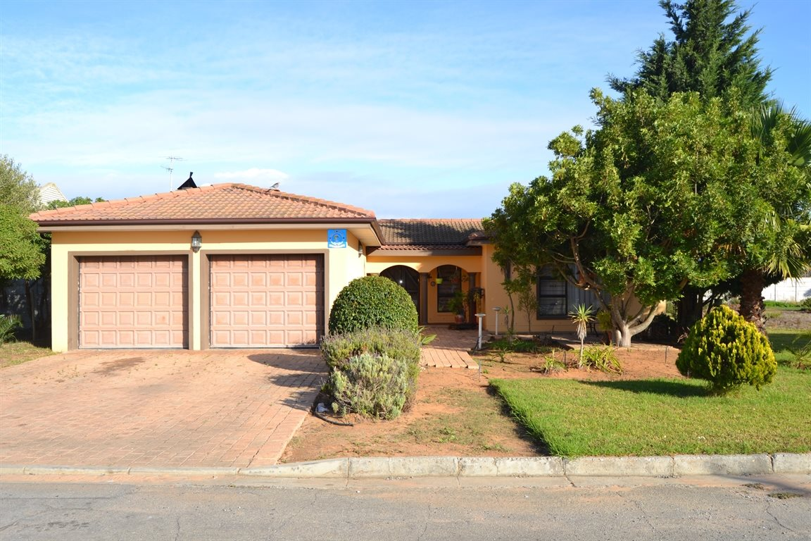 Lamberts Bay, Lamberts Bay Property  | Houses For Sale Lamberts Bay, Lamberts Bay, House 7 bedrooms property for sale Price:1,800,000