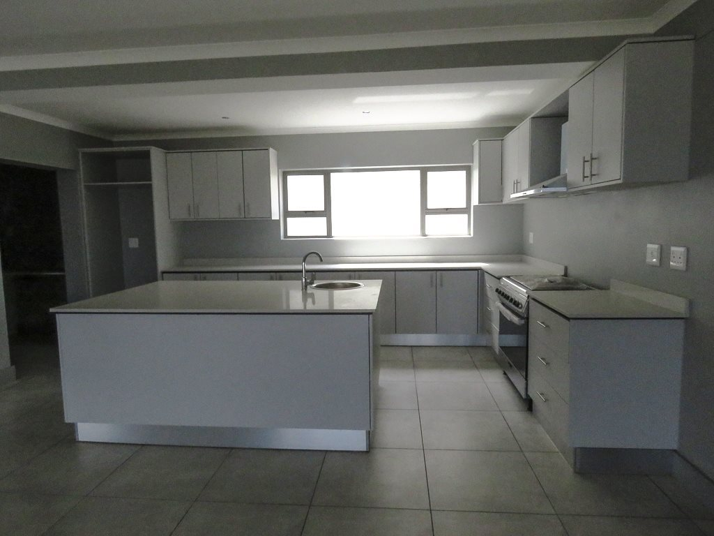 Yzerfontein property for sale. Ref No: 13538718. Picture no 6
