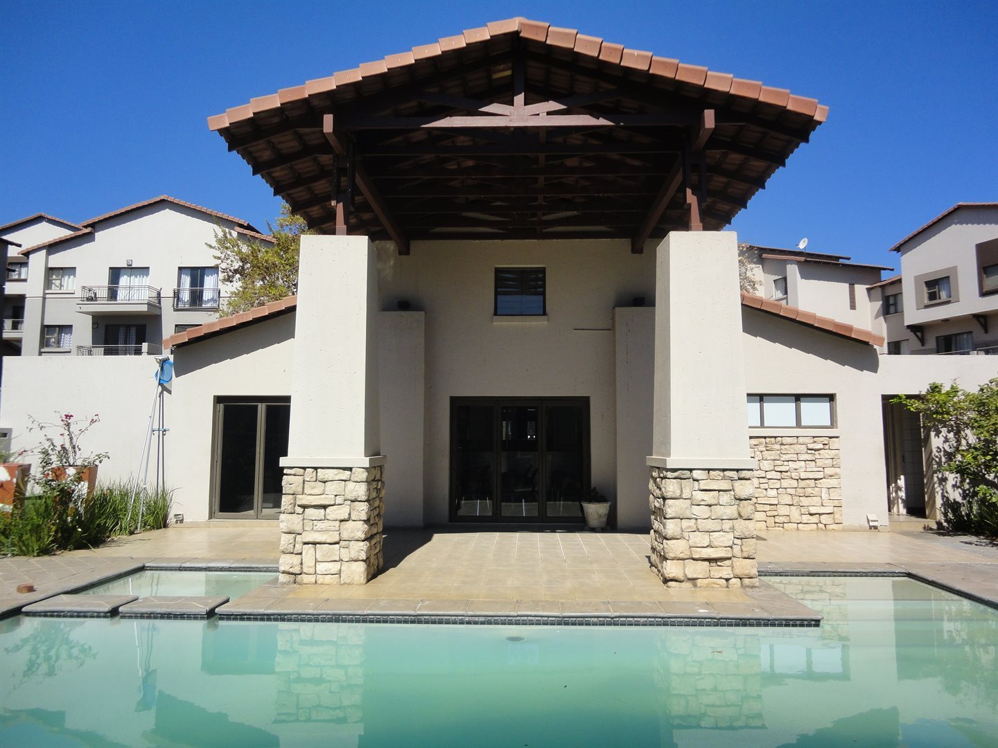 Sunninghill property to rent. Ref No: 13553044. Picture no 16