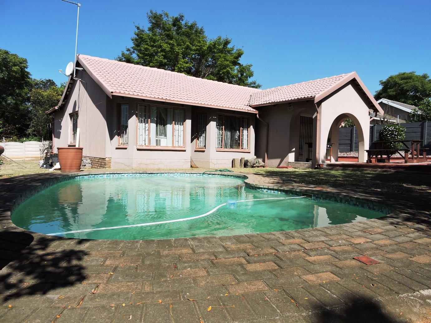 Property and Houses for sale in Bloubosrand, House, 4 Bedrooms - ZAR 1,320,000