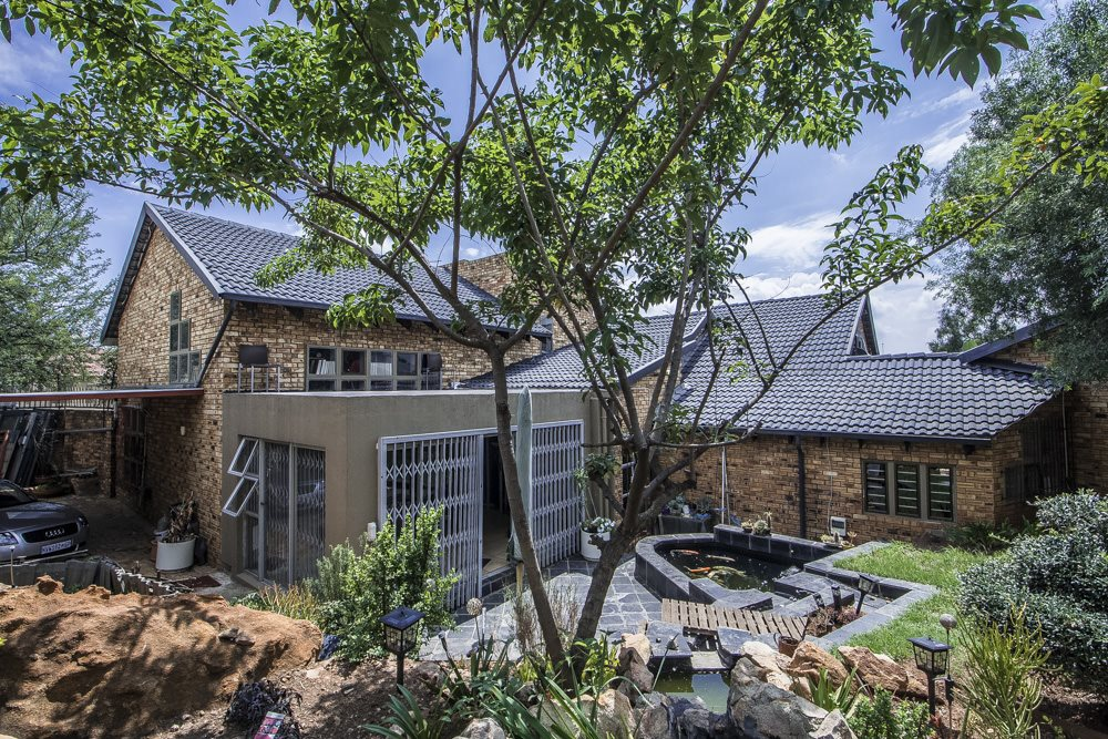 Johannesburg, Ridgeway Property  | Houses For Sale Ridgeway, Ridgeway, House 3 bedrooms property for sale Price:2,300,000