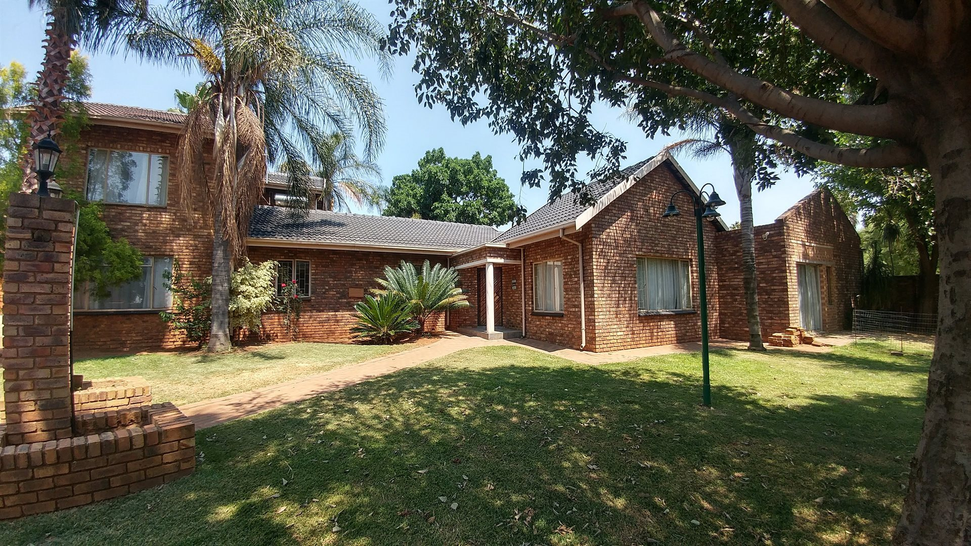 Centurion, Rooihuiskraal Property  | Houses For Sale Rooihuiskraal, Rooihuiskraal, House 5 bedrooms property for sale Price:1,885,000