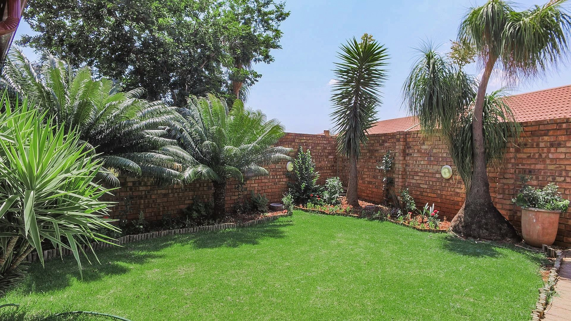 Highveld property for sale. Ref No: 13542050. Picture no 6