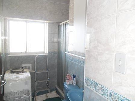 Amanzimtoti property for sale. Ref No: 13398812. Picture no 10