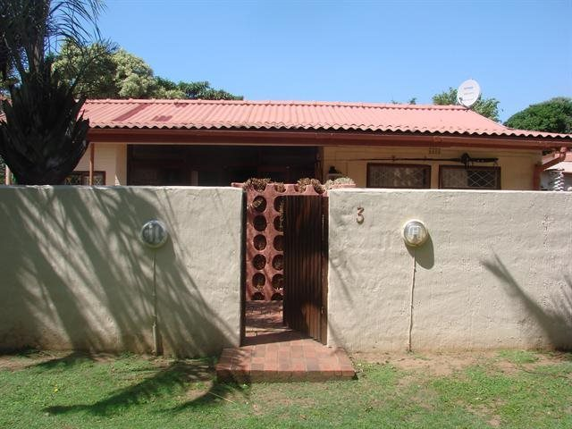 Property and Houses to rent in Scottburgh Central, Apartment, 2 Bedrooms - ZAR ,  7,00*,M