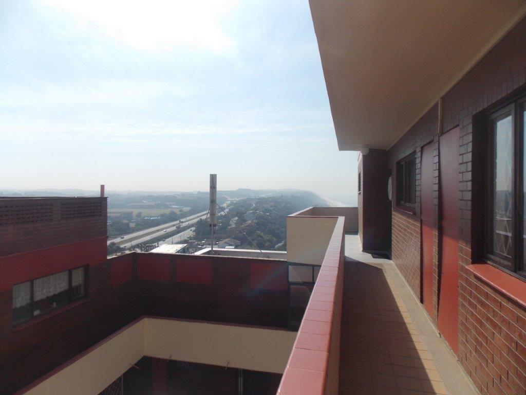 Amanzimtoti property for sale. Ref No: 13355728. Picture no 44