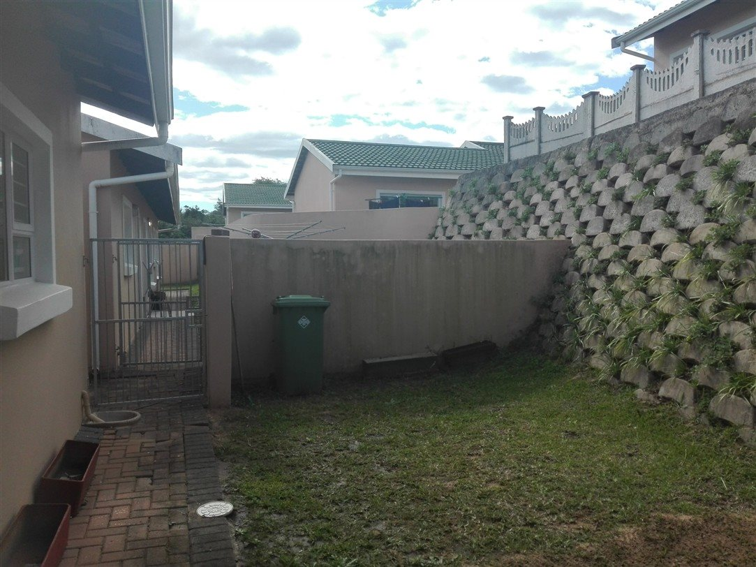 Uvongo property for sale. Ref No: 13369451. Picture no 19