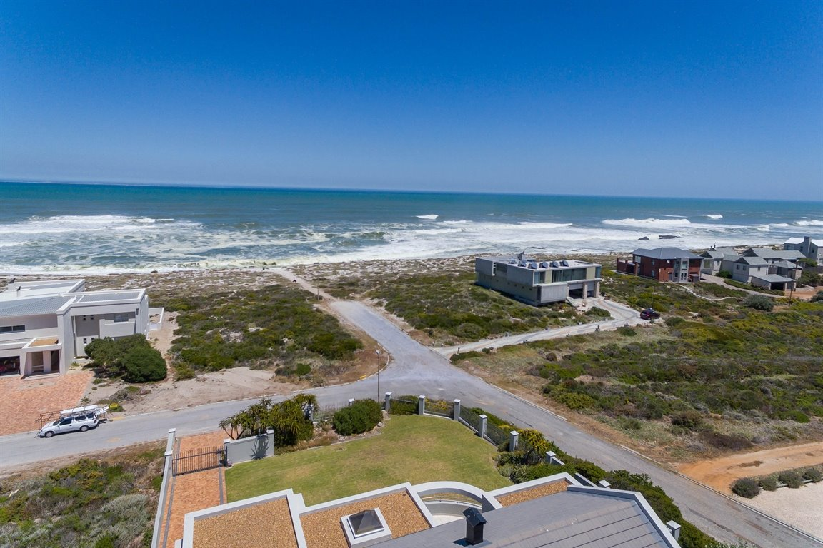 Yzerfontein property for sale. Ref No: 13373287. Picture no 10