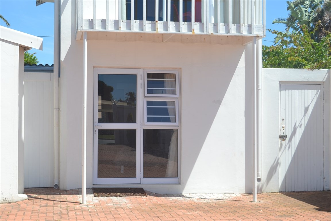 Port Elizabeth, Summerstrand Property  | Houses To Rent Summerstrand, Summerstrand, Apartment 1 bedrooms property to rent Price:,  8,70*