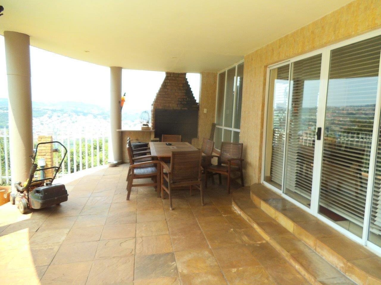 Glenvista property for sale. Ref No: 13624500. Picture no 46
