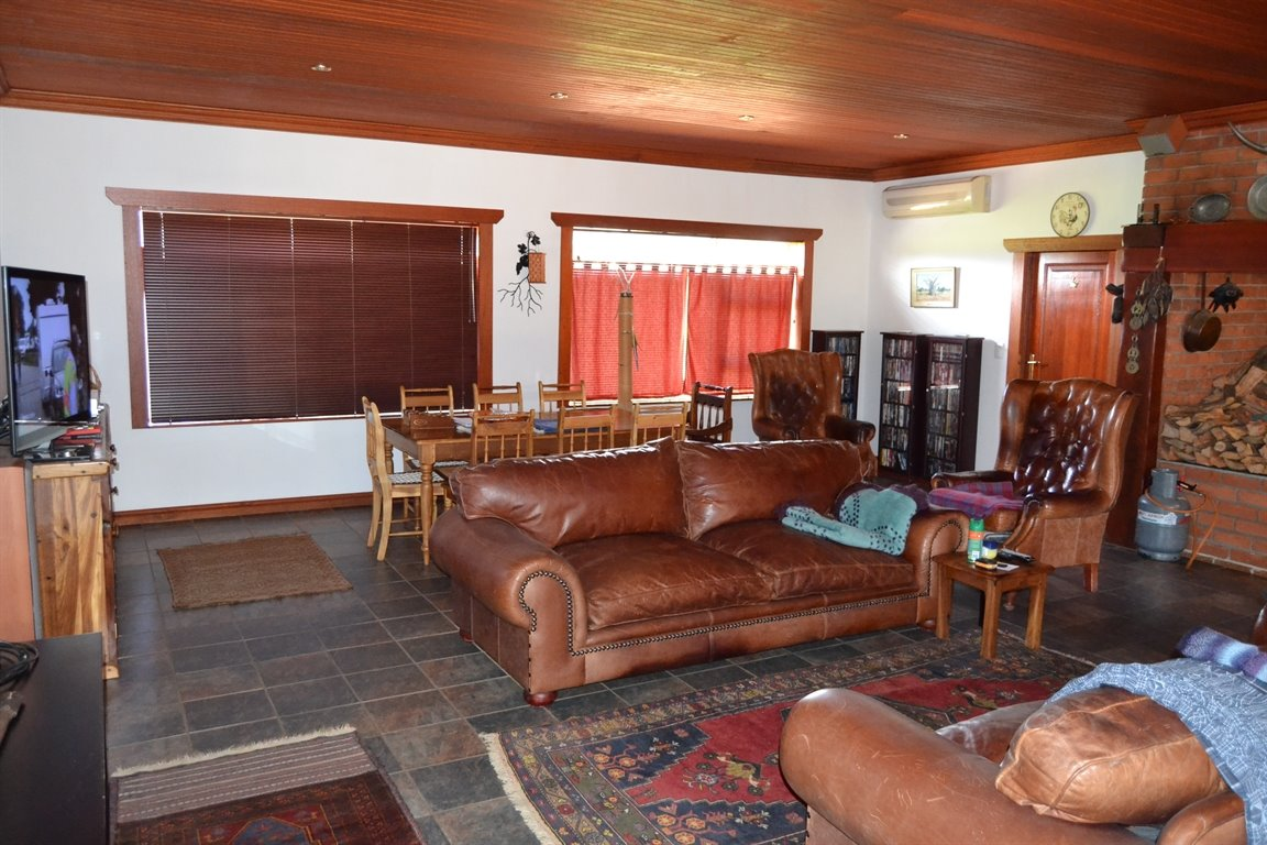Paarl property for sale. Ref No: 13379607. Picture no 11