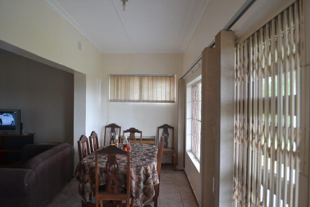 Woodgrange property for sale. Ref No: 13436082. Picture no 5