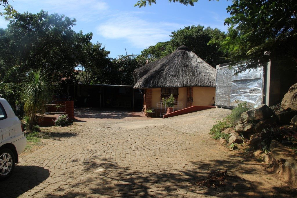 Uvongo property for sale. Ref No: 13327325. Picture no 17