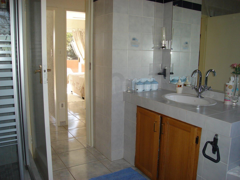 Eldoraigne property for sale. Ref No: 13494397. Picture no 31