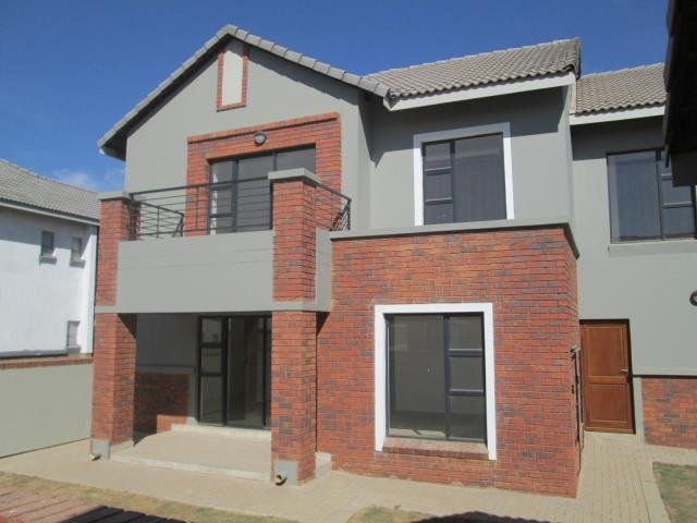 Property and Houses for sale in Meyersdal Nature Estate, Townhouse, 3 Bedrooms - ZAR 2,900,000