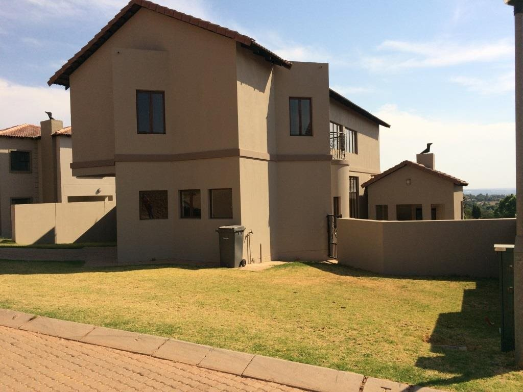 Property and Houses for sale in Rietvalleirand, House, 3 Bedrooms - ZAR 2,500,000