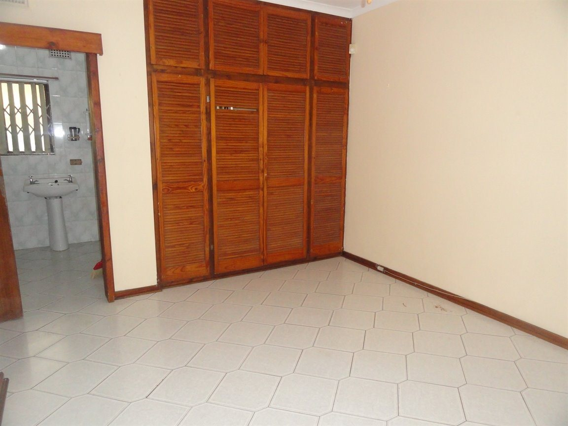Inyala Park property for sale. Ref No: 13490181. Picture no 6