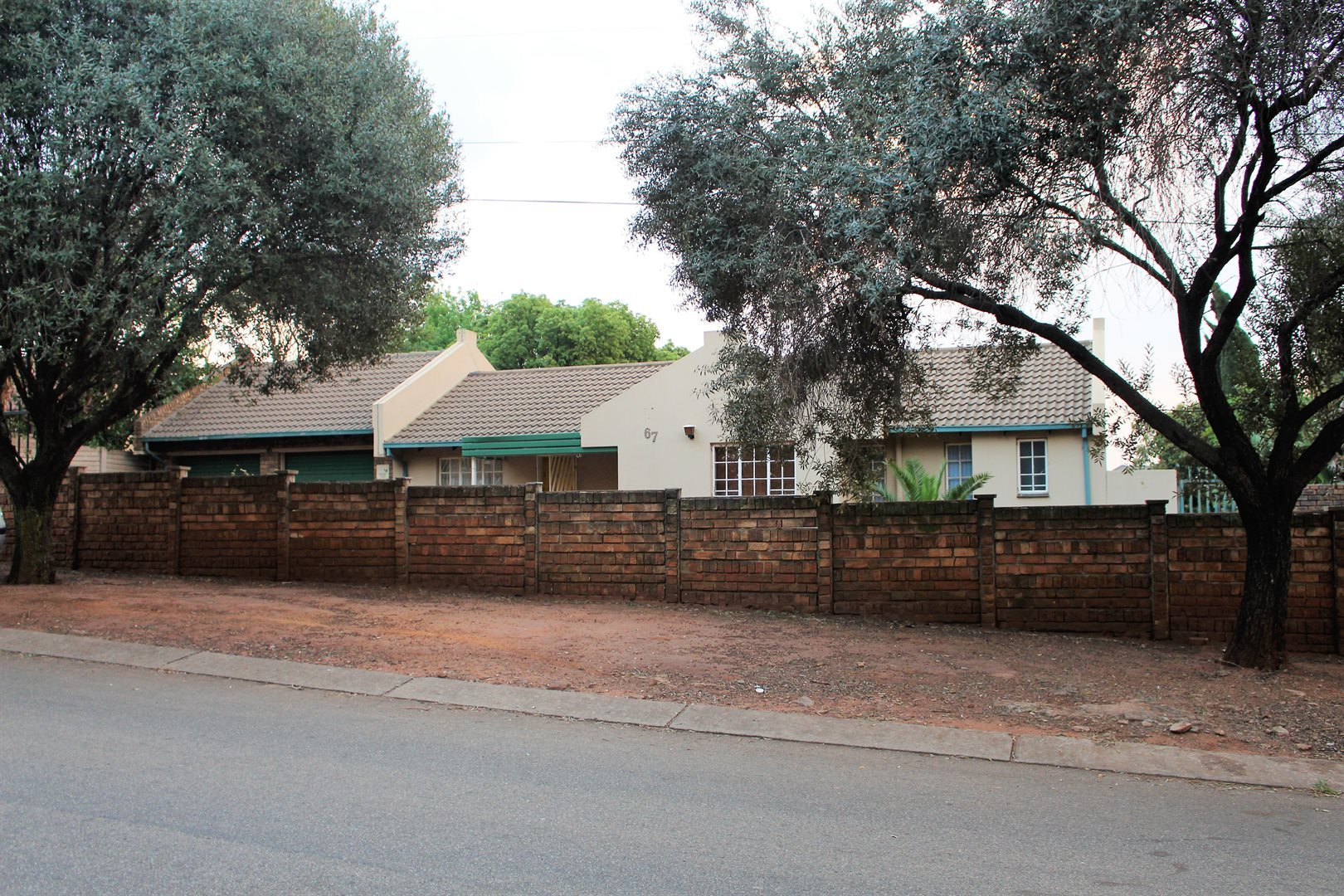 Centurion, Heuweloord Property  | Houses For Sale Heuweloord, Heuweloord, House 3 bedrooms property for sale Price:1,275,000