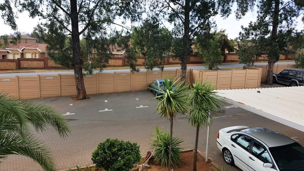 Die Hoewes property to rent. Ref No: 13441064. Picture no 2