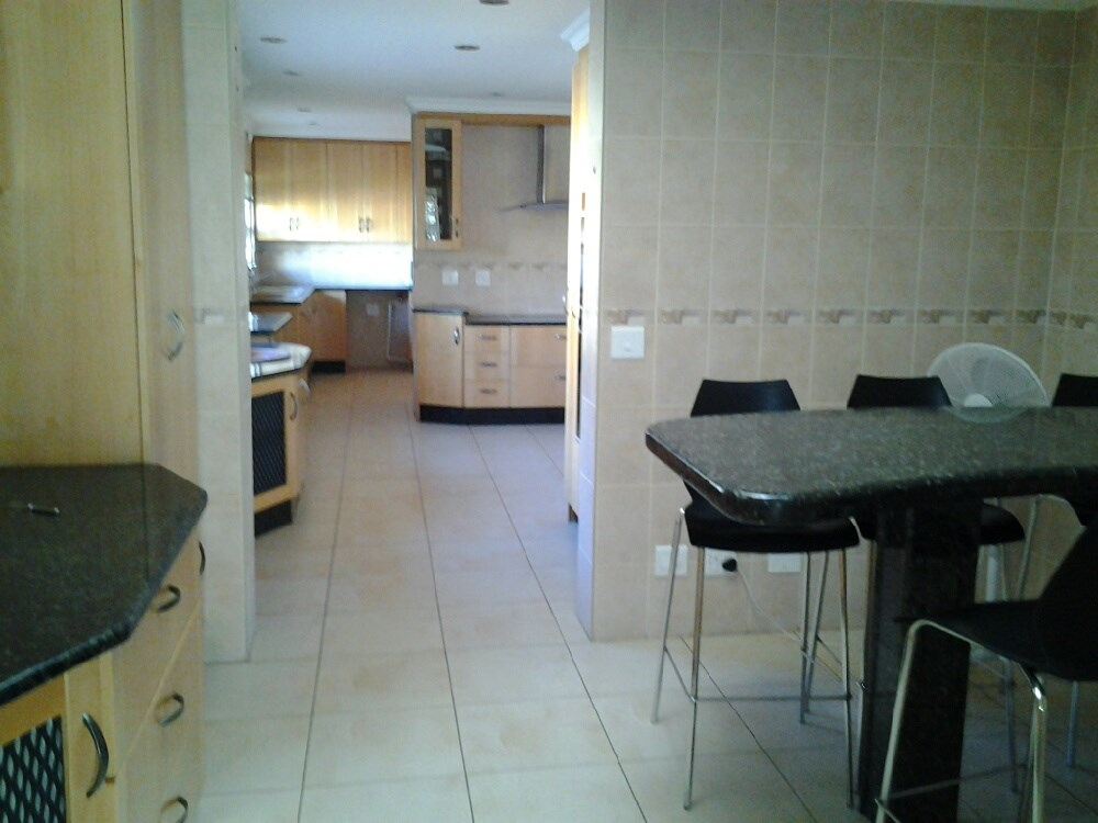 Three Rivers Proper property for sale. Ref No: 12737944. Picture no 5