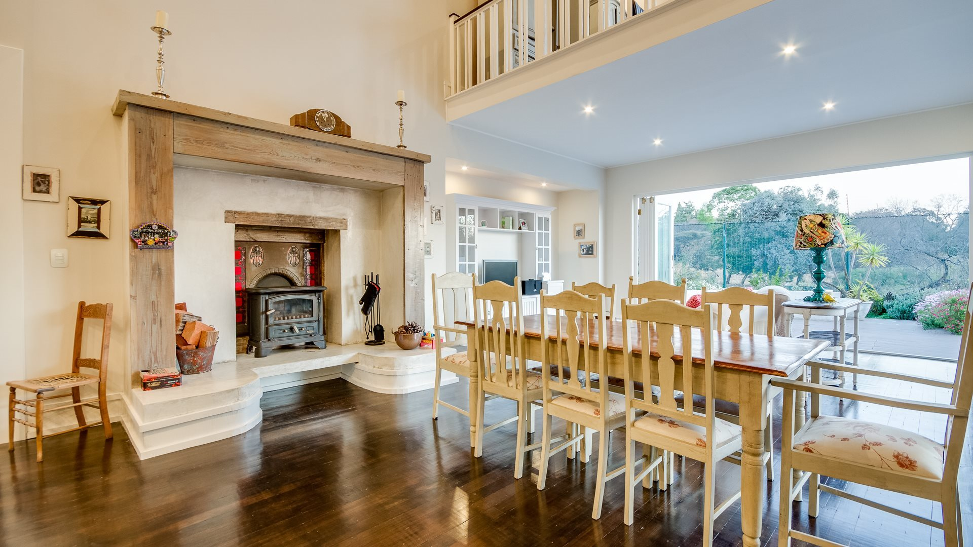 Benmore Gardens property for sale. Ref No: 13524490. Picture no 4
