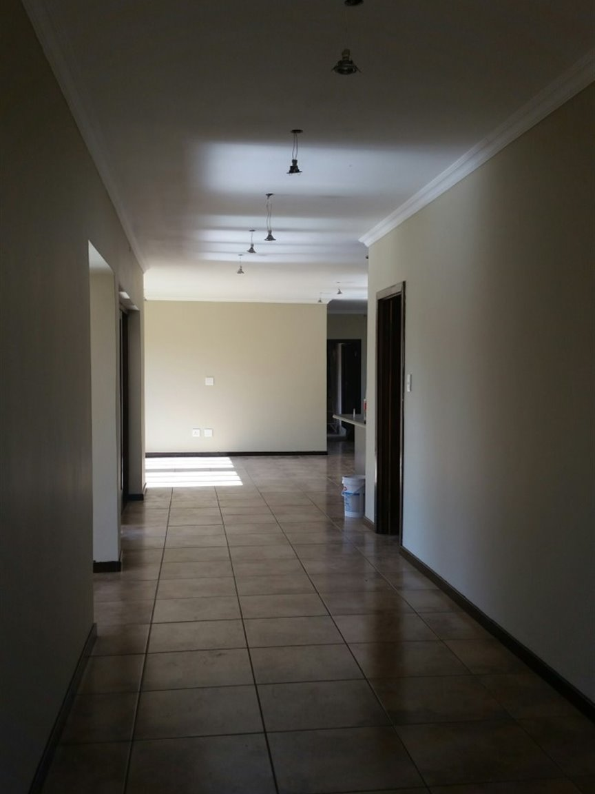 Three Rivers East property for sale. Ref No: 13349906. Picture no 3