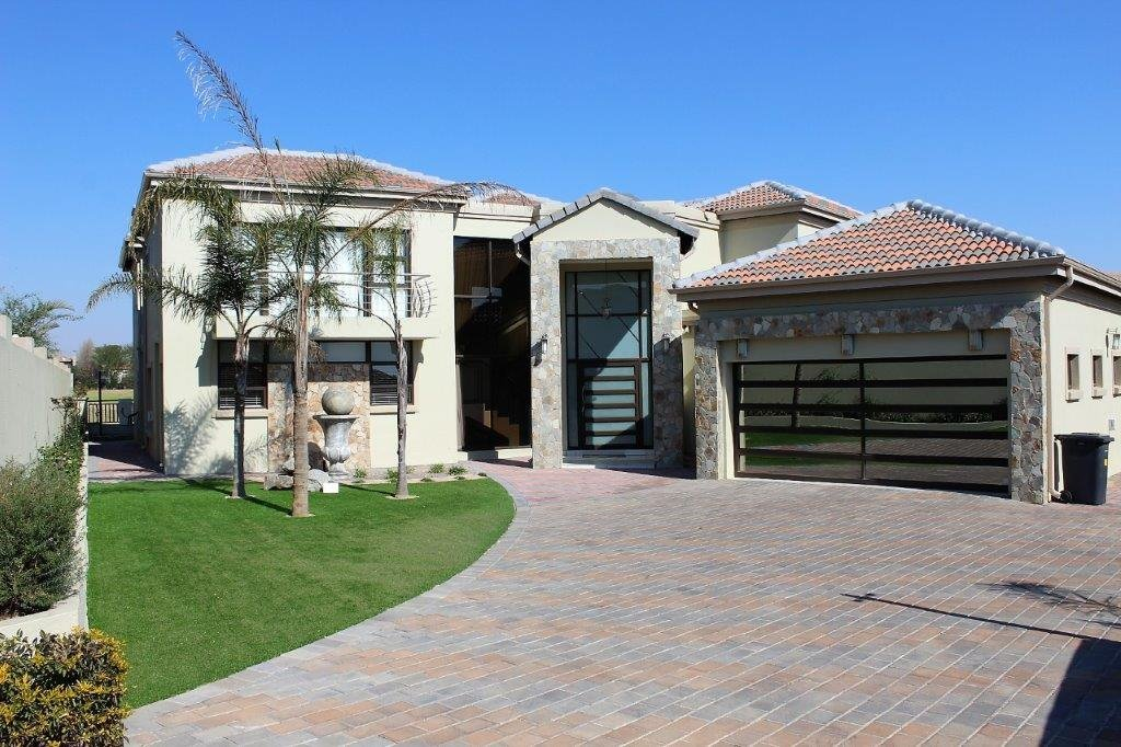 Centurion, Blue Valley Golf Estate Property  | Houses For Sale Blue Valley Golf Estate, Blue Valley Golf Estate, House 4 bedrooms property for sale Price:6,000,000