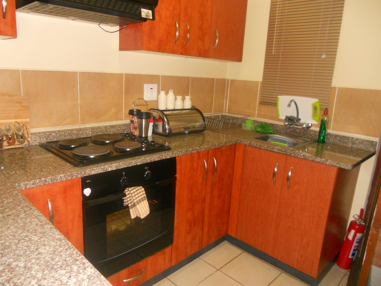 Brackenham property for sale. Ref No: 13491567. Picture no 3