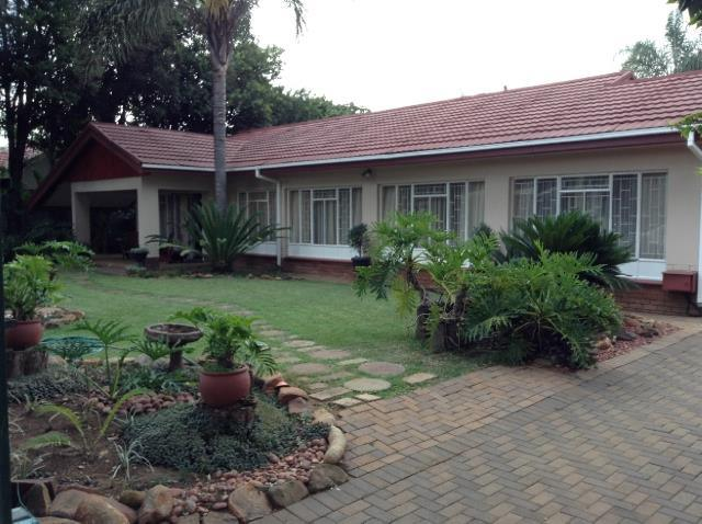 Property and Houses for sale in Kilner Park, House, 3 Bedrooms - ZAR 1,495,000